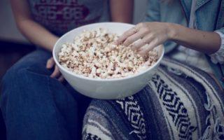 Топ-10 сериалов, которые интересно смотреть вдвоем