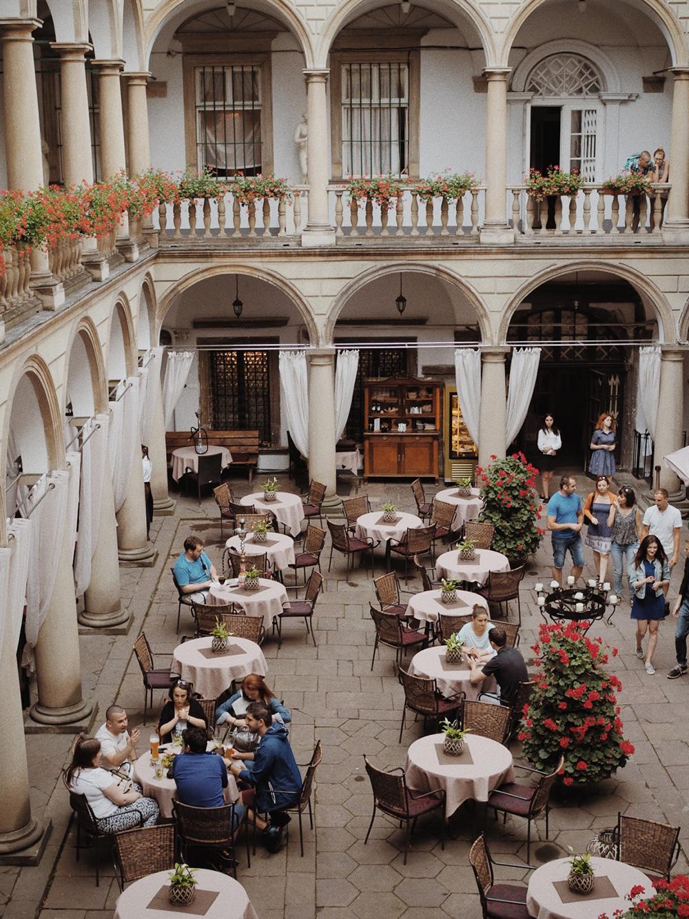 Итальянский дворик, Львов, Блог Марины Гиллер