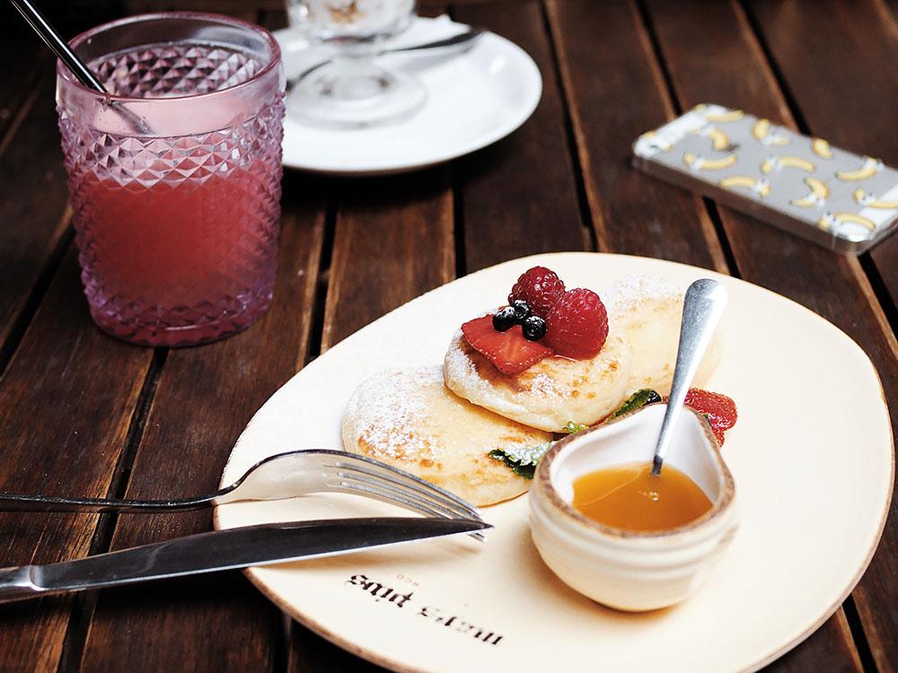 Завтрак в Mons Pius, Львов
